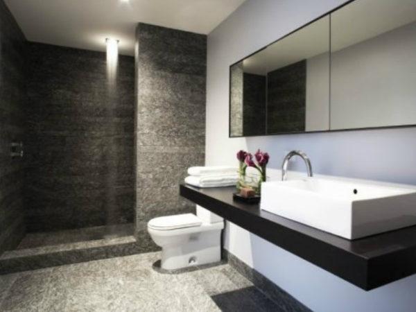 azulejos-baño-claro-y-oscuro