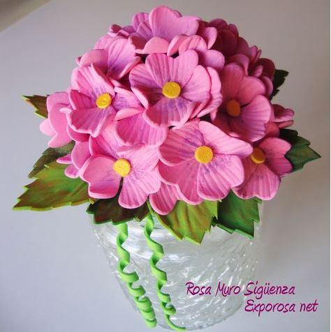 cómo hacer flores con goma eva