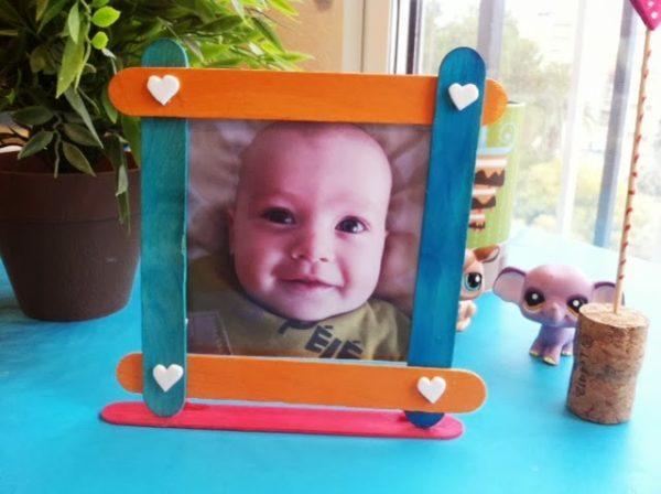 Marcos de fotos para el día del padre hechos con palos
