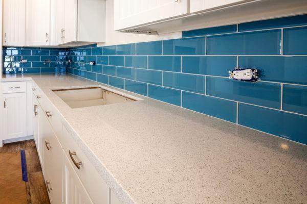 Cocinas azules azulejos