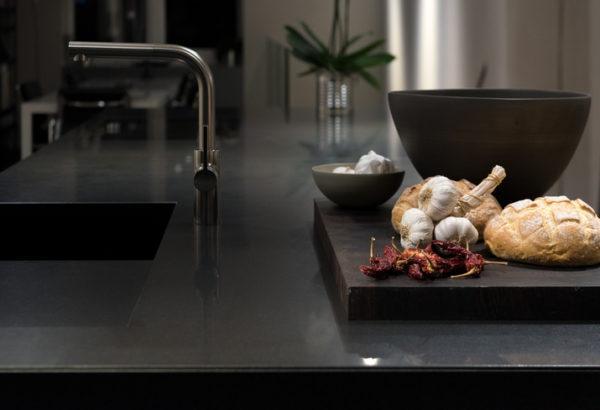 Cocinas negras con encimera