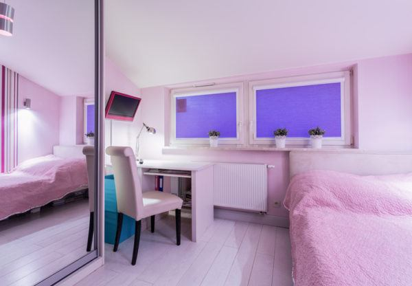 Consejos para decorar habitaciones pequenas armario con espejos