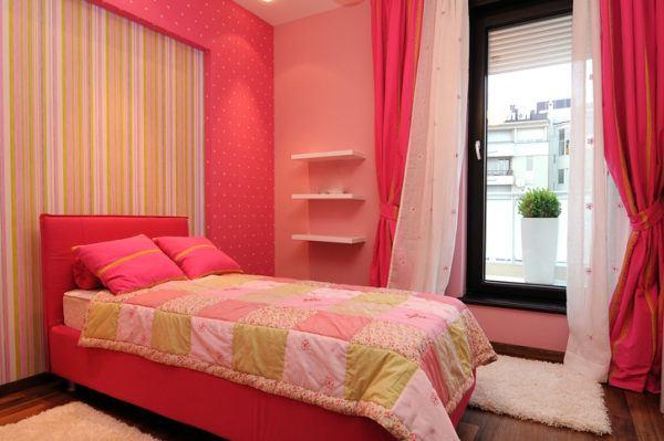 Ideas para decorar habitaciones pequenas color papel pintado a rayas
