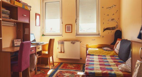 Ideas para decorar las paredes del dormitorio vinilos personalizados musica