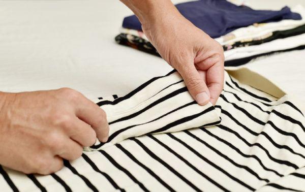 Doblar ropa ocupar poco espacio