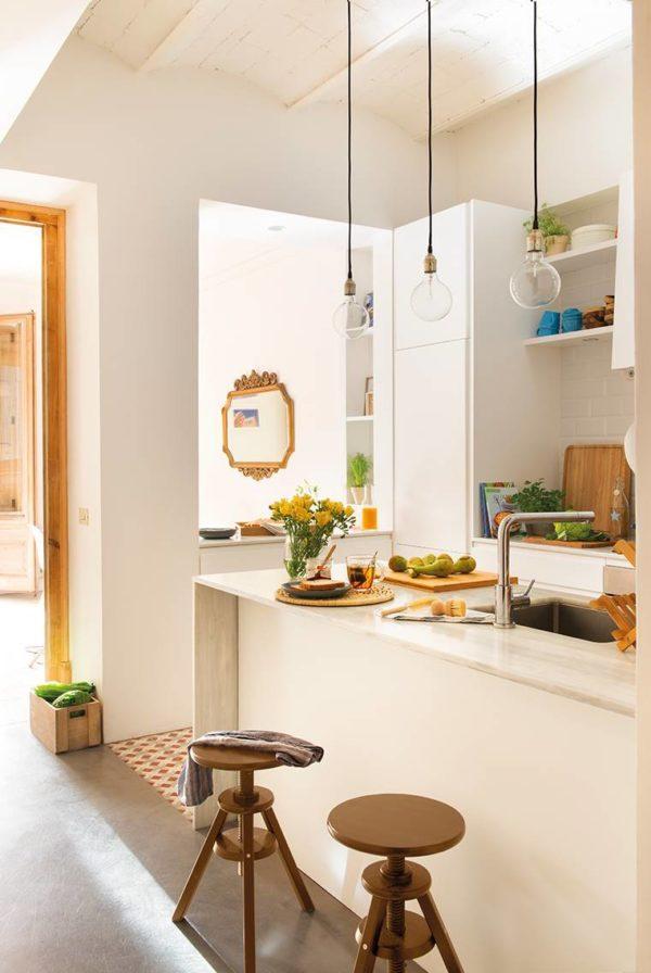 como-decorar-cocinas-con-barra-cocina-pequena-abierta2-elmueble