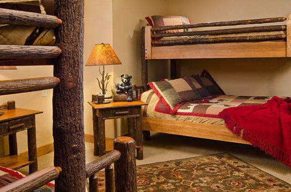 Como decorar con troncos de madera cama dormitorio infantil