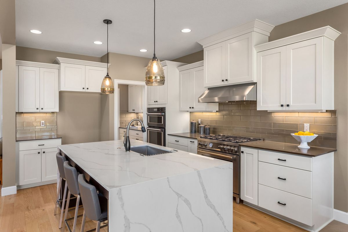 Cocinas blancas y modernas marmol