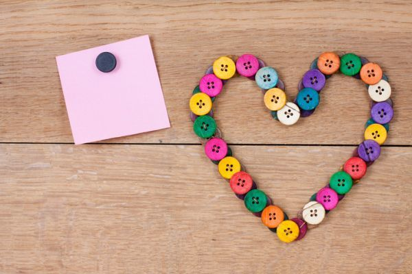 Manualidades para san valentin para ninos corazon botones