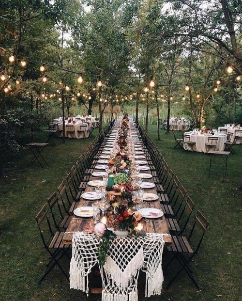 Luces en el jardín para cena