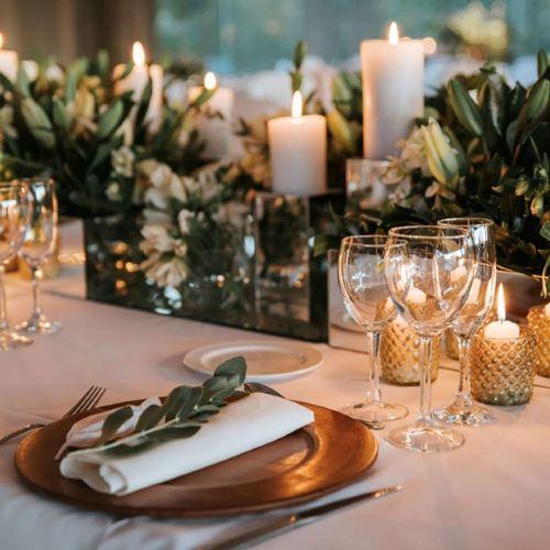 Mantel decorando mesa