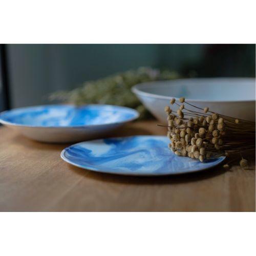 Vajilla de platos azules bonitos rústicos