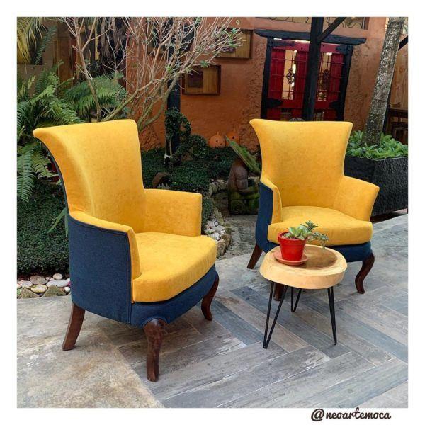 Sillones amarillo y azul terraza