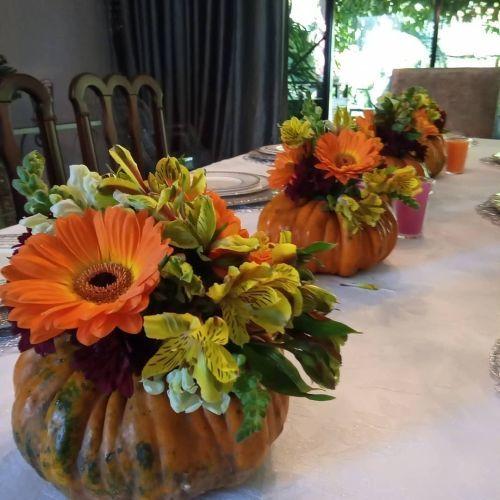 Calabazas florero para decorar mesa