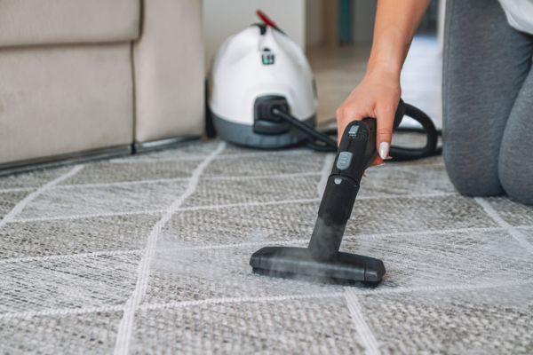 Como limpiar un sofa de tela con vaporeta