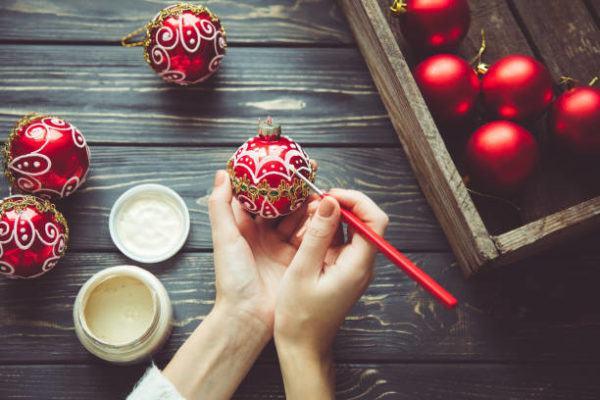 Bolas de navidad para decorar el arbol pintura