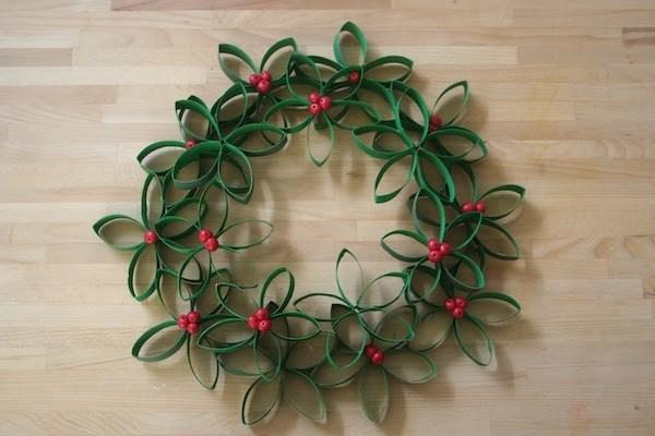 Como hacer coronas de navidad a mano papel