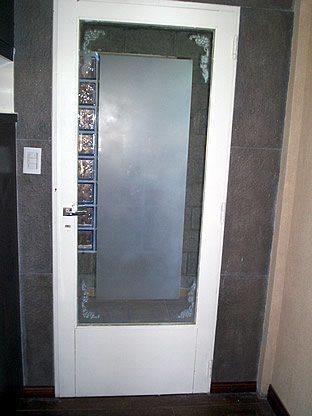 esmerilado_vidrio_puerta1.jpg