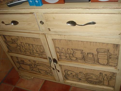 Cómo lograr un aspecto acuoso en los muebles restaurados - BlogHogar.com