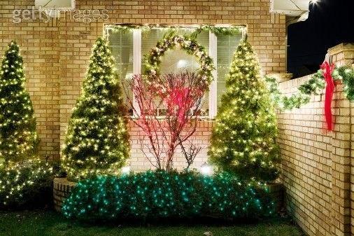 Arboles de navidad para parques y jardines for Adornos para parques y jardines