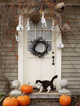 Decorar puerta para halloween for Decoracion de la puerta de entrada