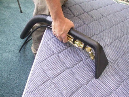 mattress cleaning 1