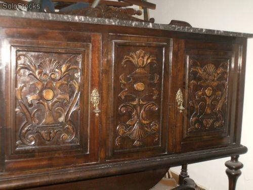 Muebles antiguos 80 anos madera nogal tallados a for Muebles tallados en madera