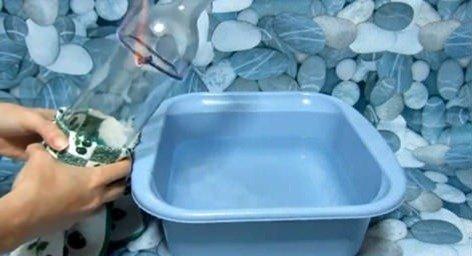 Manualidades reciclaje| floreros con botellas de vidrio