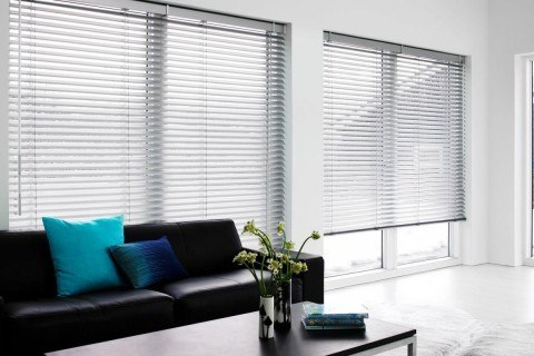 White-living-room-with-horizontal-blinds