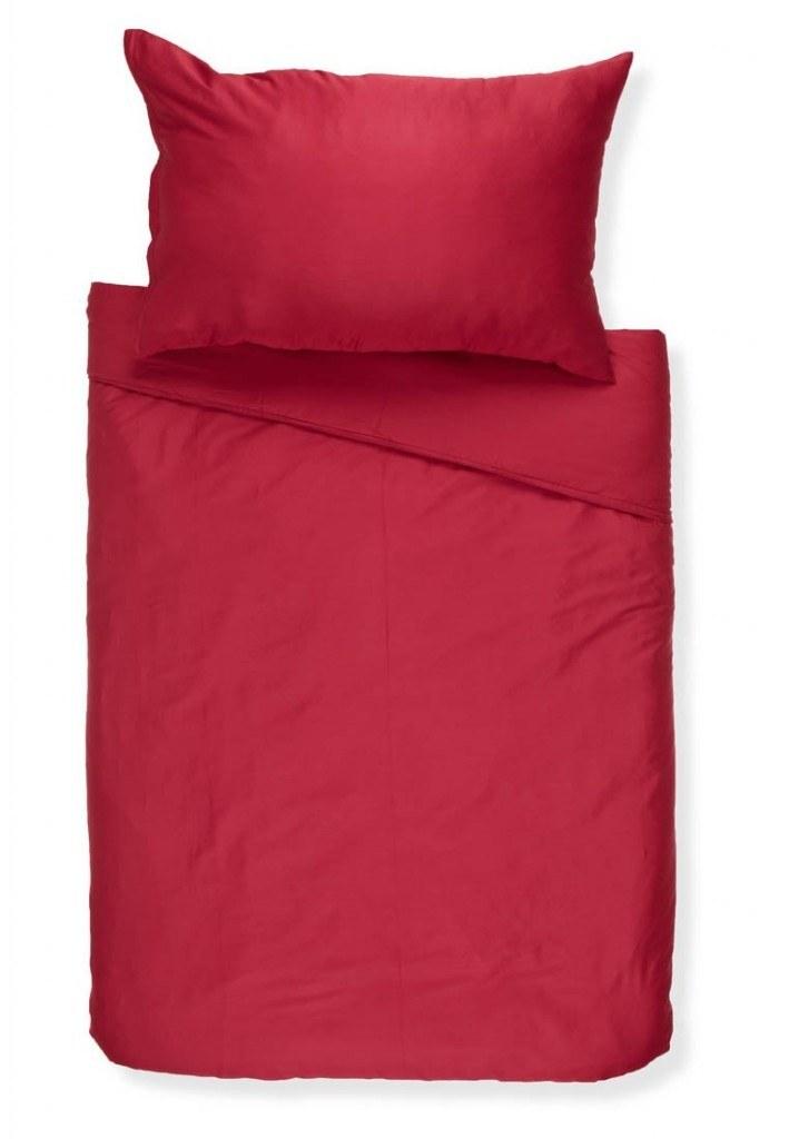 ropa de cama roja