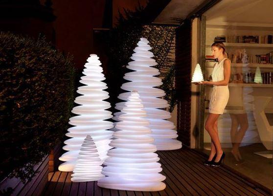 Decoraci n de rboles de navidad modernos for Decorar casa minimalista navidad