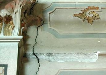 Que hacer cuando aparecen grietas en la pared - Reparar grietas pared ...