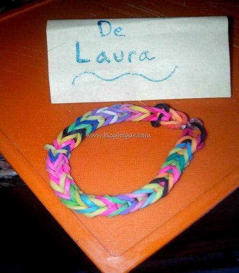 Pulsera-gomitas-Laura,L