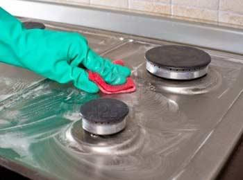 Trucos de cocina: ¿Cómo limpiar una cocina de gas? - BlogHogar.com