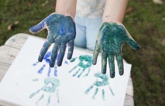 Manualidades fáciles día del padre-Manos-pintadas.jpg