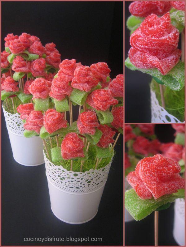 preparar unos jarrones o pequeos maceteros de chuches es sin duda una idea que a los nios les encantar crear unas flores con tiras de regaliz rojo
