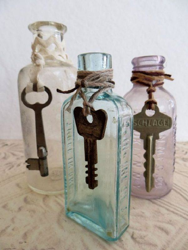 C mo decorar unas botellas de cristal - Como decorar una casa antigua ...