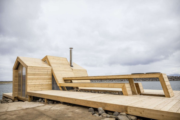 fachadas-casas-modernas-de-madera-clara