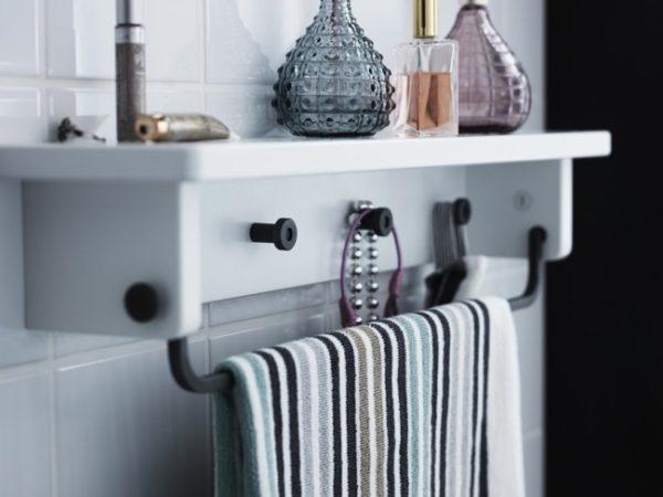 De 50 fotos de ba os peque os modernos con ducha 2017 for Accesorios bano ikea