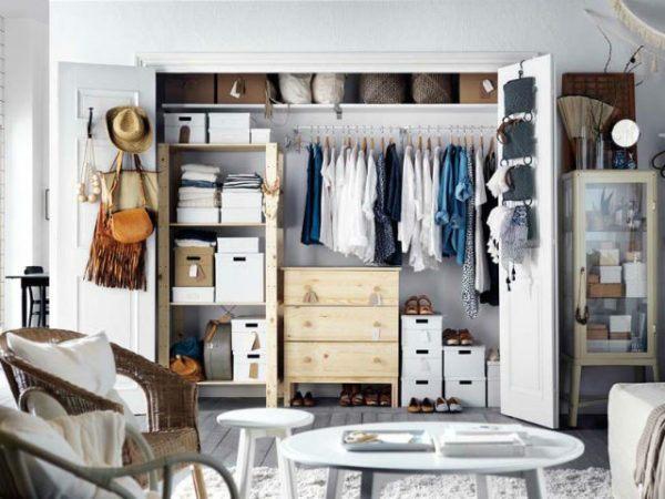 como-organizar-un-armario-dormitorio-puertas