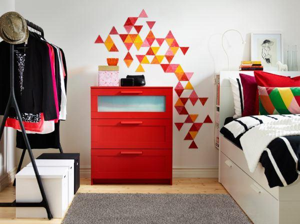 C mo decorar habitaciones juveniles baratas y peque as - Habitaciones pequenas ikea ...