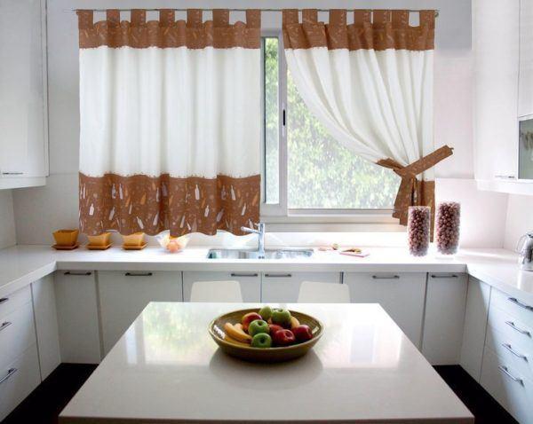 Fotos de cortinas para la cocina 2018 dise os y consejos for Decoracion cortinas cocina