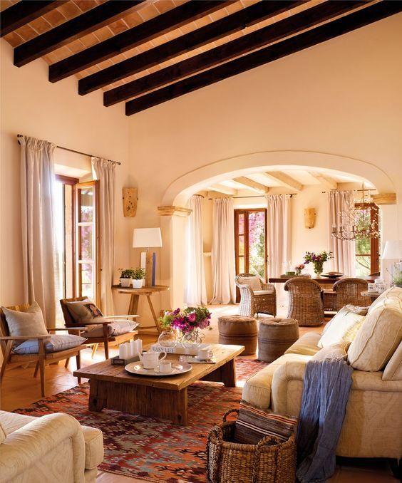 decoraci n de salones coloniales colores muebles y consejos. Black Bedroom Furniture Sets. Home Design Ideas