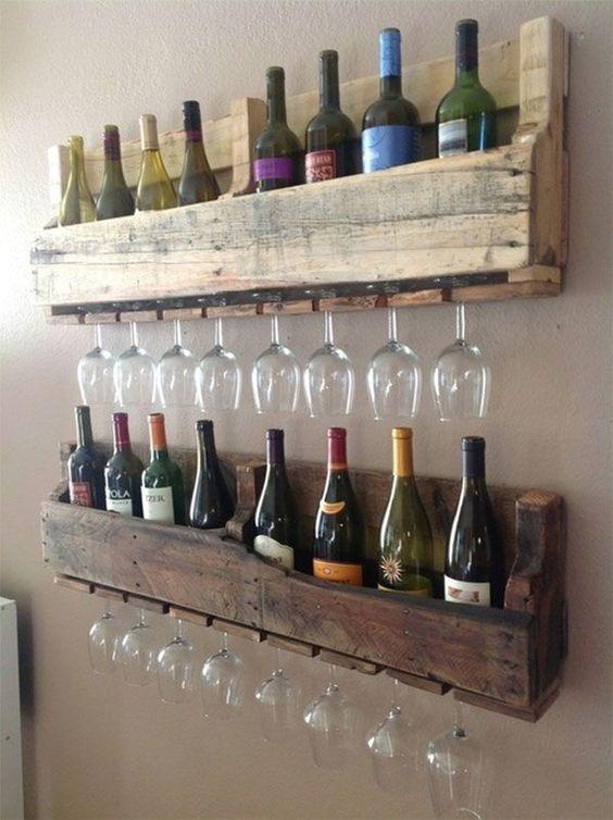 al pan pan al palet palet y al vino vino eso s podemos combinar los dos ltimos en una repisa ideal para una vinoteca que sea la envidia de todo el - Muebles Palets