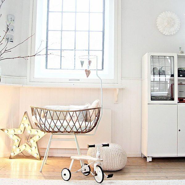 como-decorar-una-habitacion-de-bebe-cuna-de-mimbre-instagram
