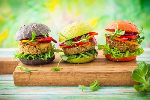 Hamburguesas de quinoa hamburguesas vegetarianas - Hacer hamburguesas vegetarianas ...