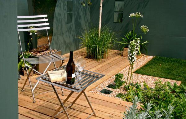 de jardines pequeos rsticos de tu hogar quieres darle un punto sibarita aqu tienes la respuesta una silla un libro with decoracion de jardines rusticos