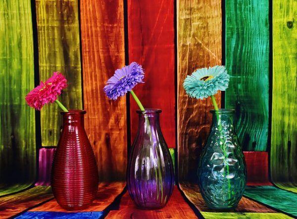 jarrones con flores bolsos