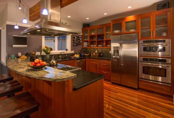 Cocinas de lujo en madera con isla