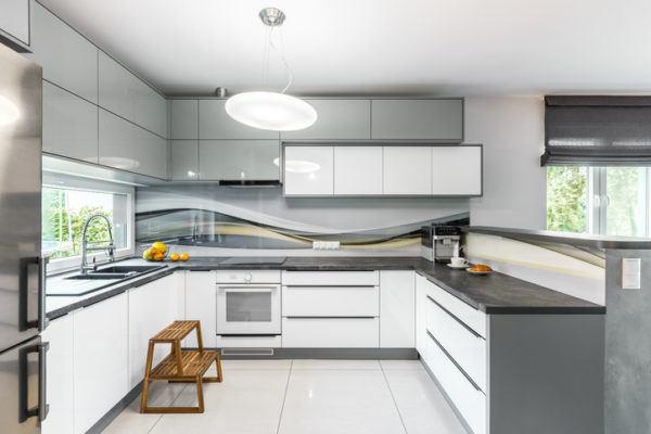Cocinas grises 2018 for Cocinas blancas y grises